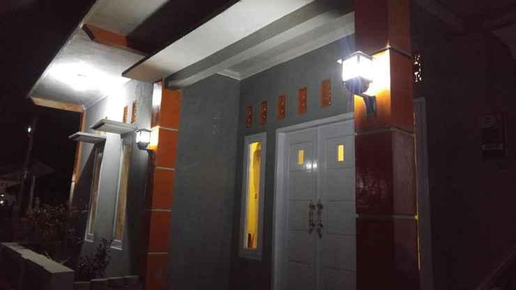 EXTERIOR_BUILDING Clean Room at Faren Homestay Syariah