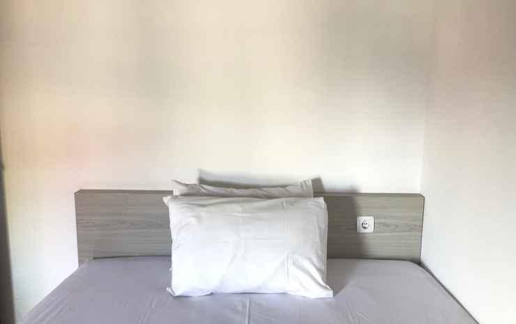 Retra's WG Yogyakarta Yogyakarta - Two Bedrooms with 1 Shared Bathroom