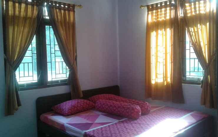 Simple Room at Mulya Homestay 2 Syariah Magelang - Standard (check in max 21.00)