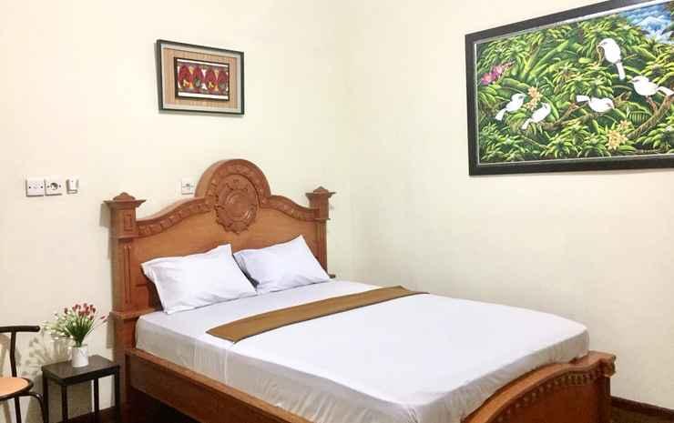 Balinda Guest House Padang - Deluxe Queen Bed Room Only