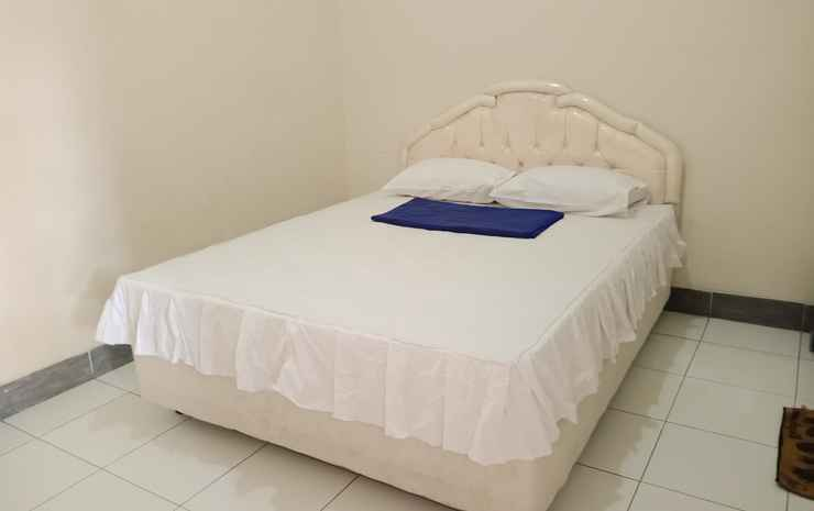 OYO 3915 Hotel Remaja Pacitan Pacitan - Deluxe Double Room