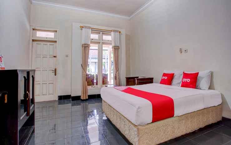 OYO 3915 Hotel Remaja Pacitan Pacitan - Suite Double Room