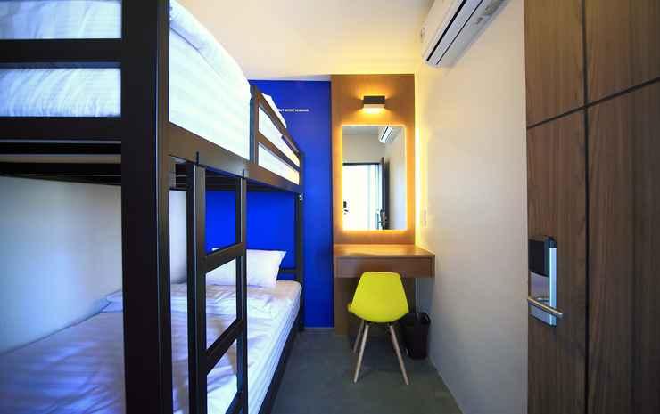 Tuk Tuk Hostel Bangkok - Twin Room with Shared Bathroom