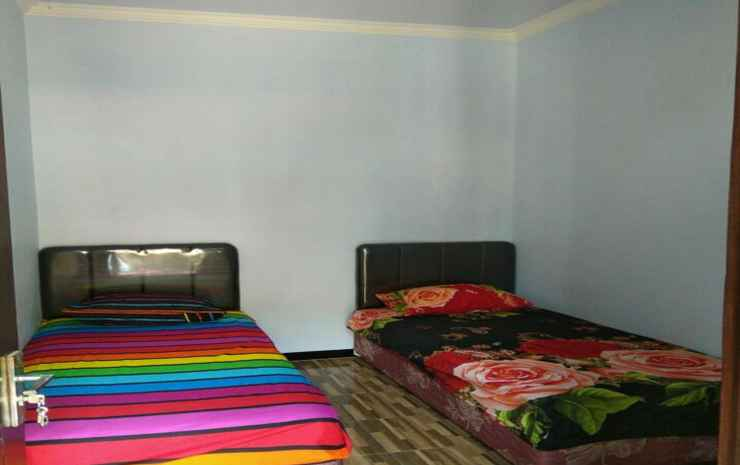 Comfy Room at Ijen Farmer Homestay & Tour Banyuwangi - Larasati room with private bathroom (max check in 22.00)