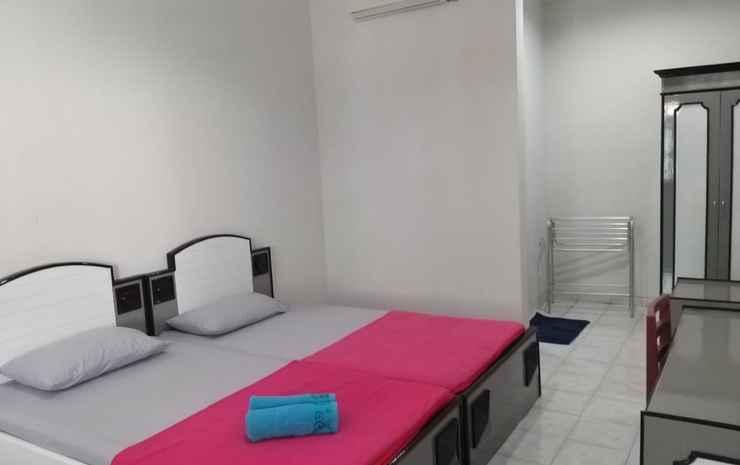Dhina Finny Graha Yogyakarta - Standard Room