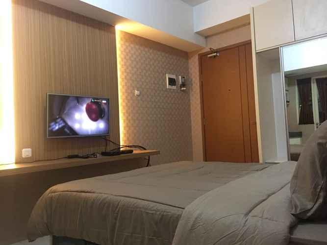 BEDROOM Apartemen Green Lake View By Hexa Room