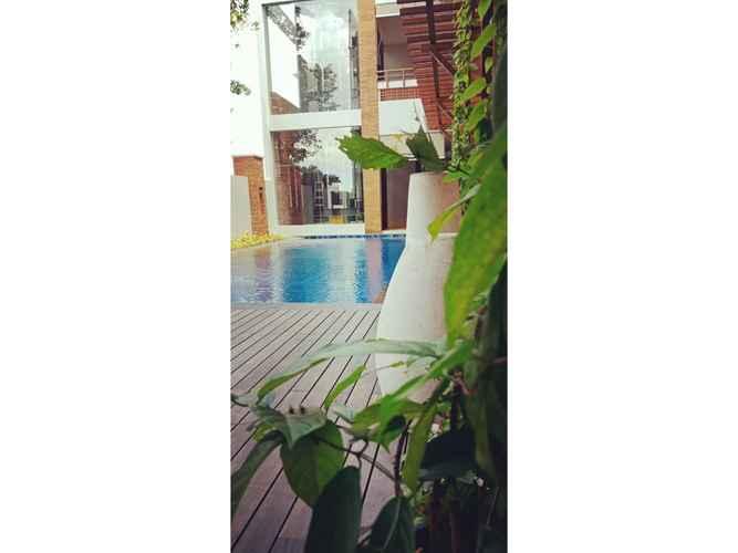 SWIMMING_POOL Hotel Parangraja