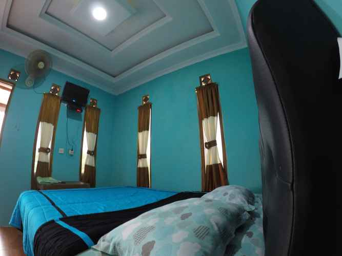 BEDROOM Cozy Room Sunrise View at Omah Sundak 1