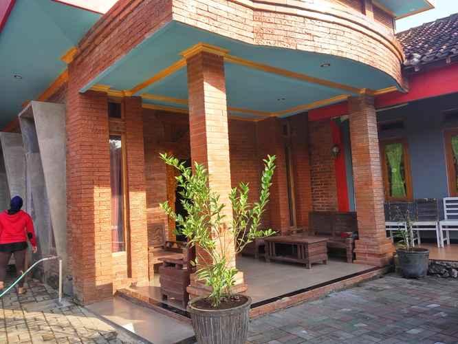 EXTERIOR_BUILDING Family stay at Omah Sundak Jogosegoro 3 Bedroom