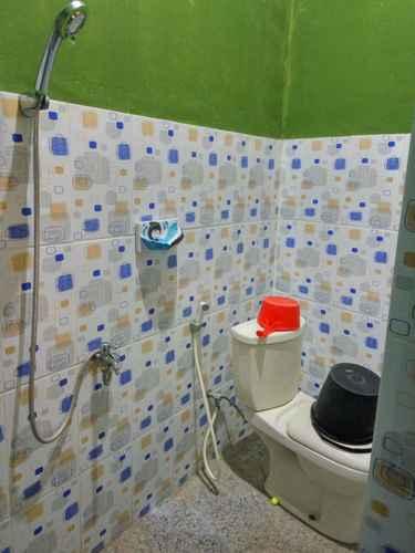 BATHROOM Family stay at Omah Sundak Jogosegoro 3 Bedroom