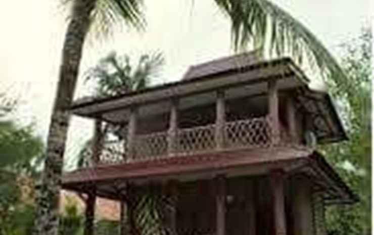 Pantai Wisata Camplong Hotel & Restaurant Madura -