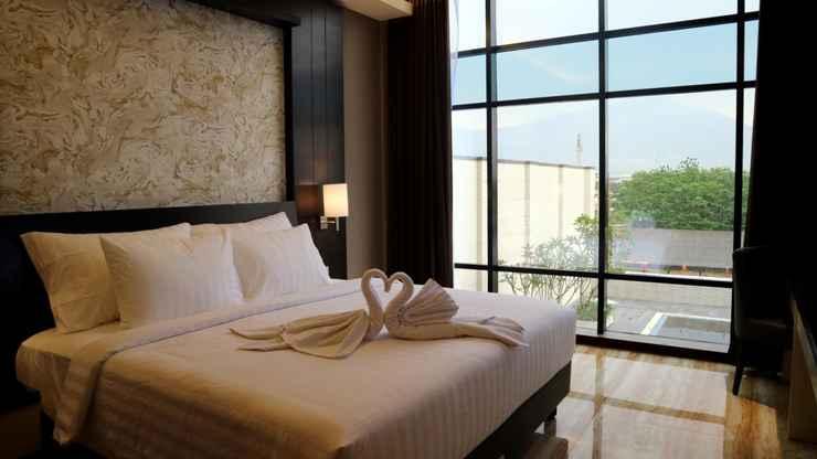 BEDROOM Grand Karlita Hotel Purwokerto