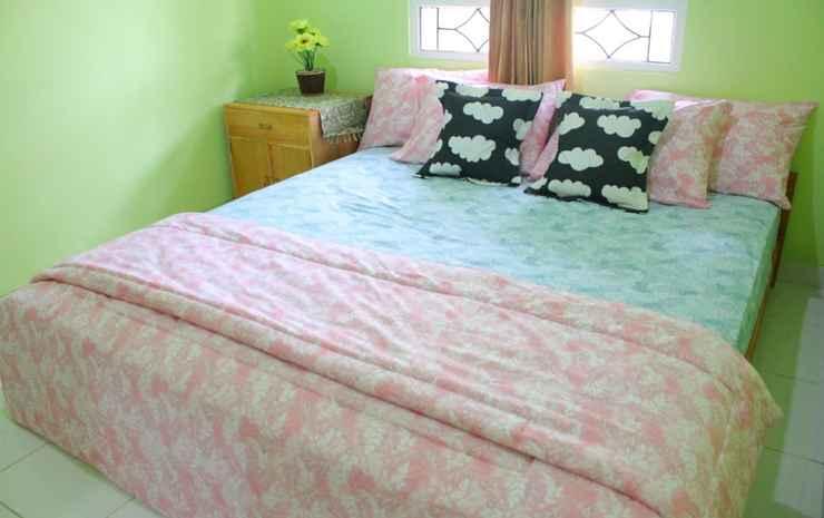 4 Bedroom (WHOLE HOUSE) at Amarta 2 YOGYAKARTA Yogyakarta - 4 Bedroom
