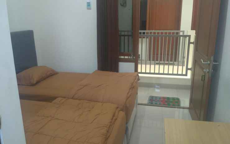 Cozy Room at Halmahera Kostel Tegal - Standard AC Twin bed