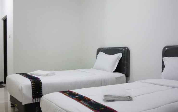 Sky Flores Hotel Manggarai - Standard Twin Bed