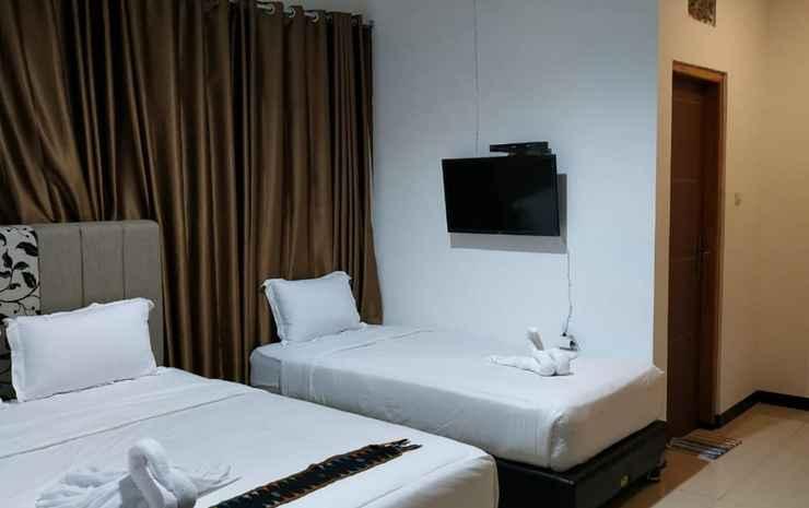 Sky Flores Hotel Manggarai - Family Room