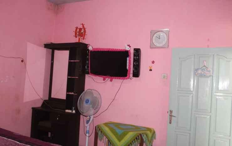 Affordable Room at Palem Homestay Malang - Palem Room