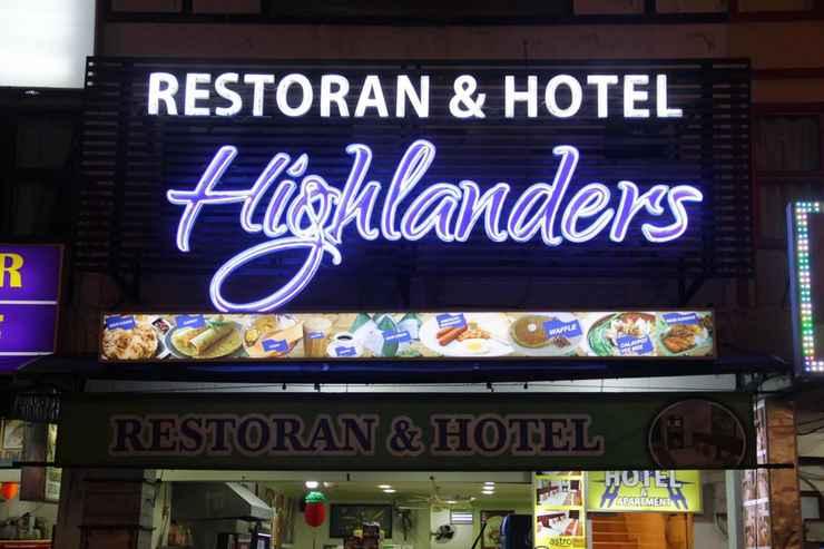 EXTERIOR_BUILDING Highlanders Hotel