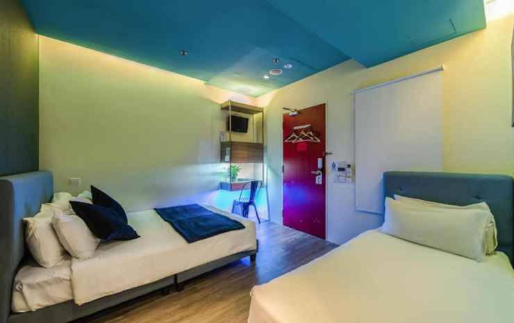 Hotel 1887, The New Opera House Singapore - Superior Triple with Balcony- Room Only FC