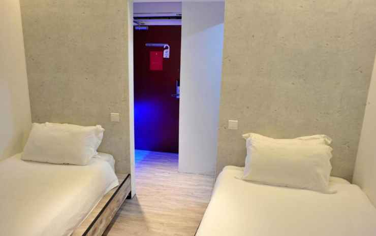 Hotel 1887, The New Opera House Singapore - Standard Twin Room (No window) - Room Only FC