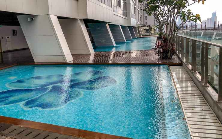 Luminous Modern 2 BR Menteng Park Apartment by Travelio