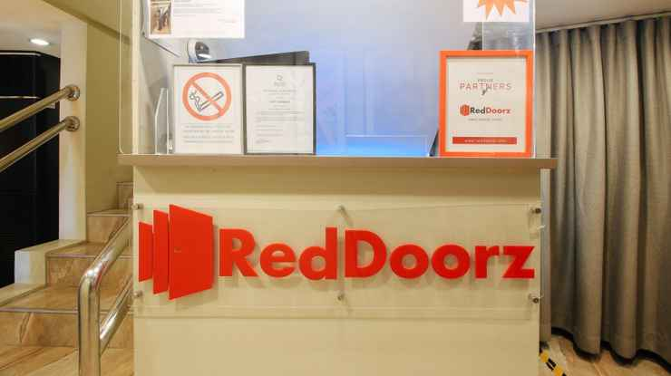 LOBBY RedDoorz @ EDSA Pasay