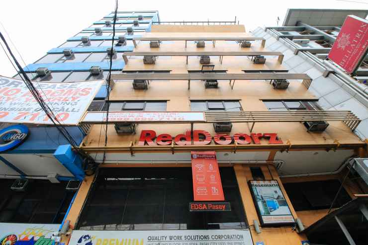 EXTERIOR_BUILDING RedDoorz @ EDSA Pasay - Quarantine Hotel