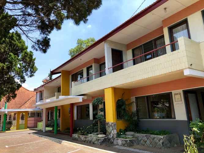 EXTERIOR_BUILDING 3 Bedrooms at Villa Anjasmoro B