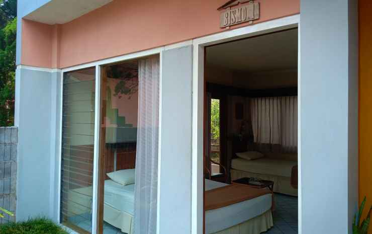 1 Bedroom at BISMO 1 by Hotel Azaya Semarang - Twin Bed (1 Double + 1 Single)