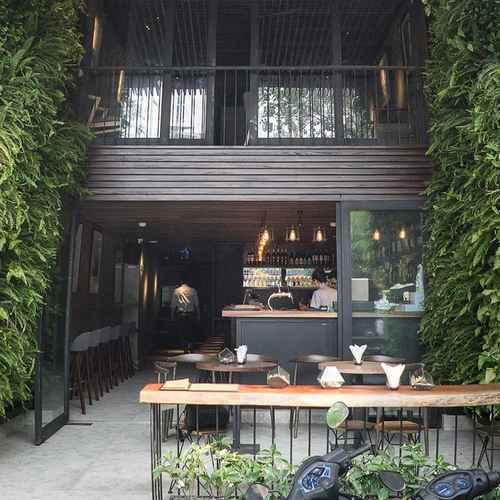 LOBBY Triple E Hotel & Cuisine