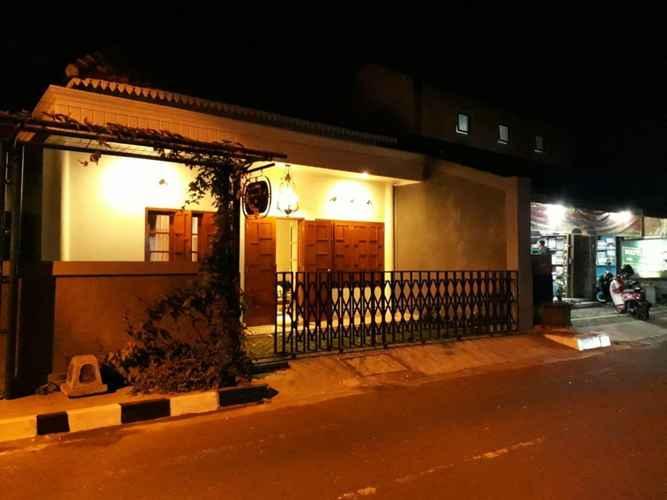 EXTERIOR_BUILDING Kadipaten Kidul 10 Guesthouse