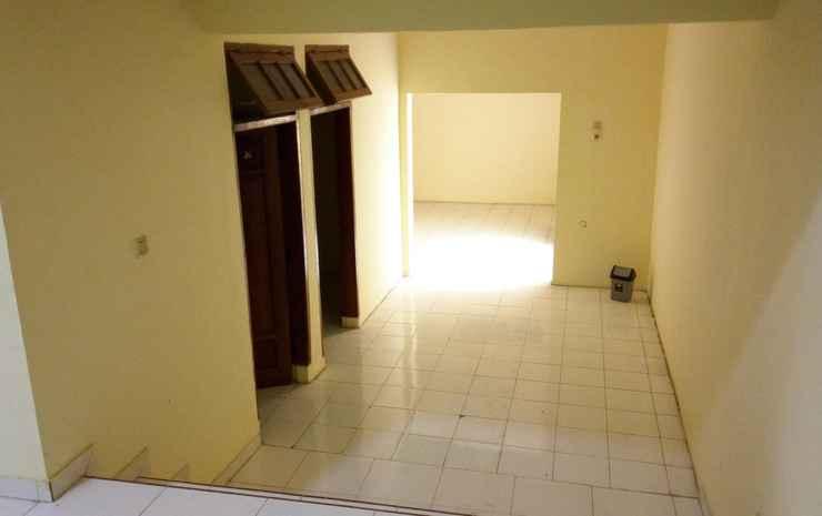 Alziqa Guest House Cirebon Cirebon - 7 Bedroom
