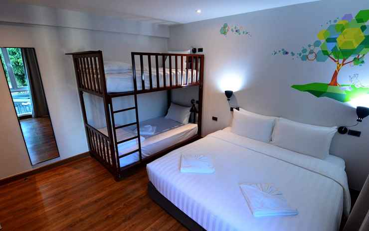 LANA Beds & Space Chiang Mai - 4 Person Room