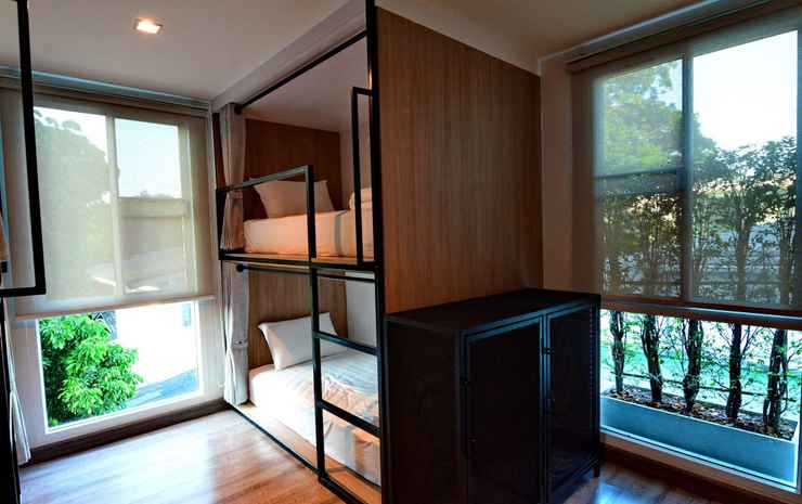 LANA Beds & Space Chiang Mai - Twin Room with External Private Bathroom