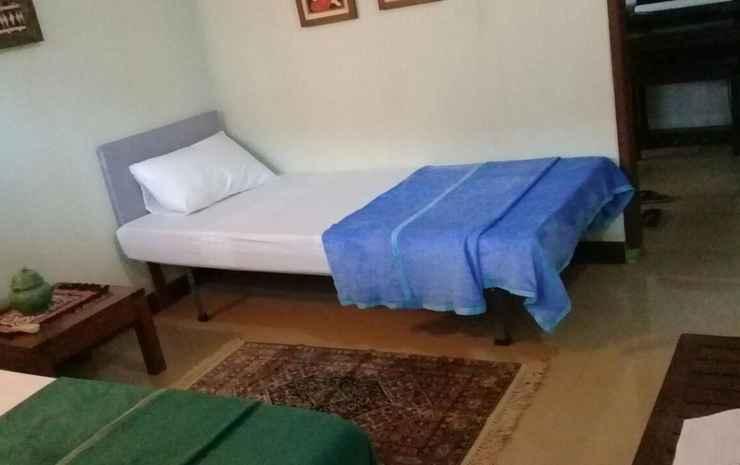 Maleo House SYARIAH Tangerang Selatan - Twin Room (MAX CHECK-IN 22:00)