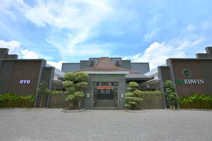 EXTERIOR_BUILDING OYO 611 The Edwin Syariah