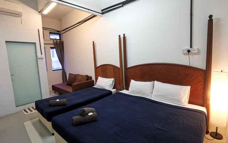 Hawk Hotel and Hostel Kuala Lumpur - Deluxe Triple Room