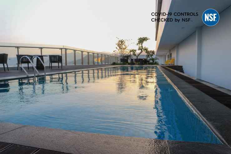 SWIMMING_POOL Golden Tulip Springhill Lampung