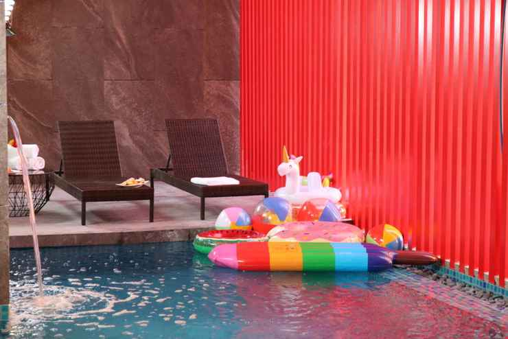 SWIMMING_POOL Red Hotel Cubao, Quezon City