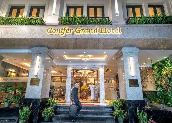 EXTERIOR_BUILDING Conifer Grand Hotel