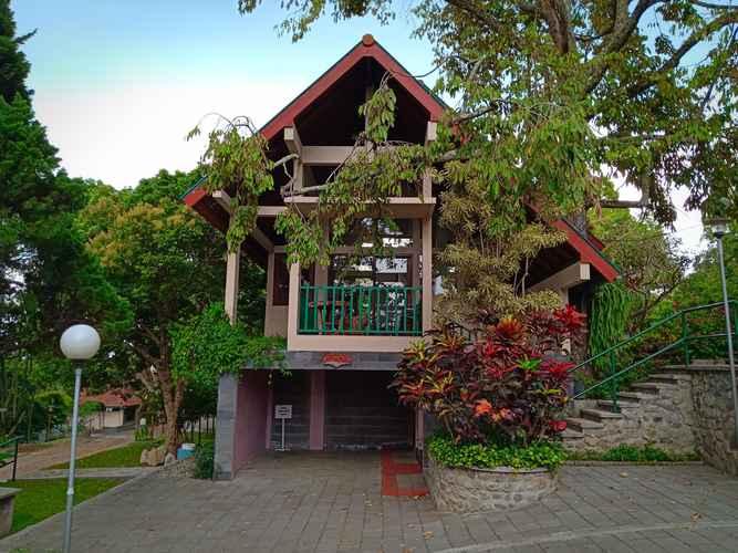 EXTERIOR_BUILDING Nice Villa Agung at Rawa Pening Garden