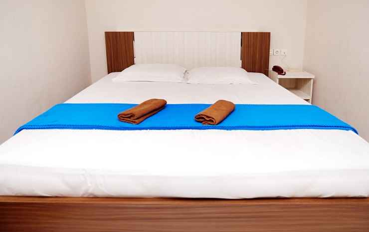 D'Mars Hotel Maros - Suite Family King Bed
