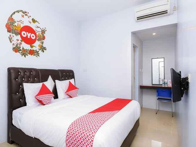BEDROOM OYO 632 Hotel Mulana