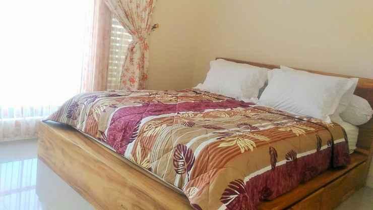 BEDROOM Full House 3 Bedroom at Griya Rohman