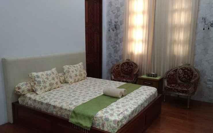 Rabi'ah Syariah Guest House Padang - VIP