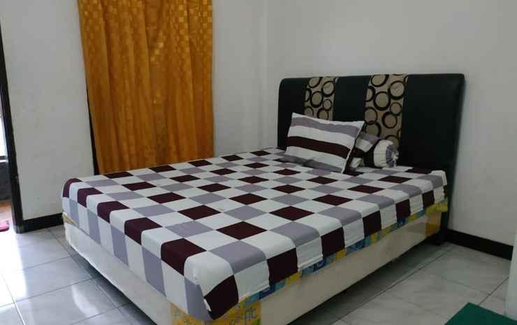 Penginapan Togaz Kupang - Standard Room With Ac