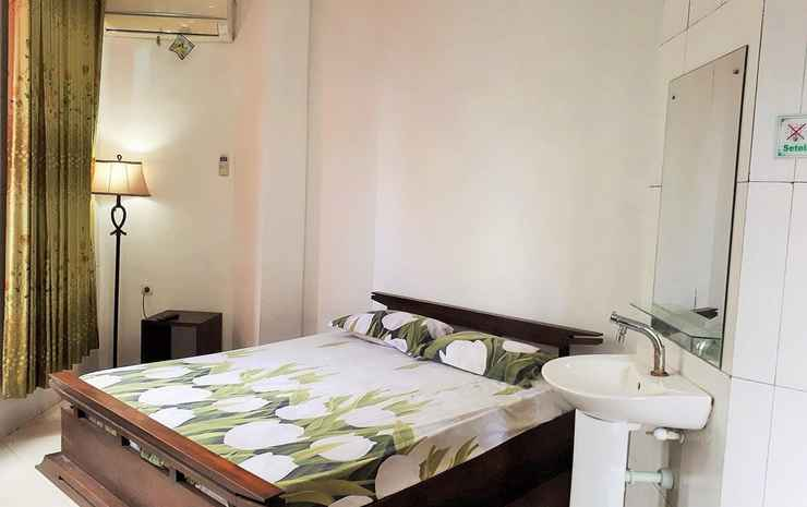 Simple Room at Homestay Kemuning Solo - Superior Double Room