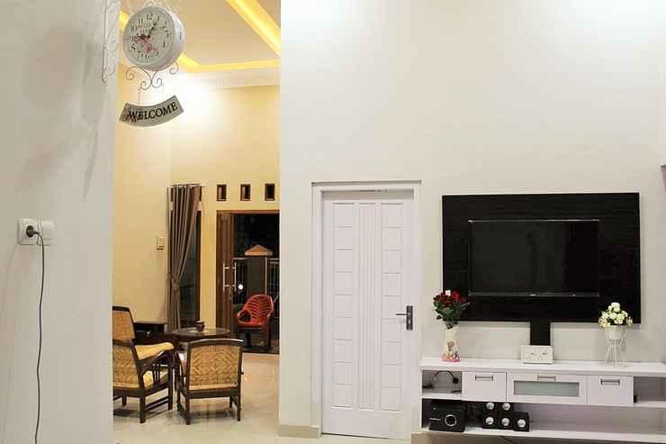 BEDROOM Full House 3 Bedroom at Pulunk Homestay