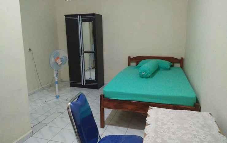 Putry Homestay Kupang  Kupang - Standard Room