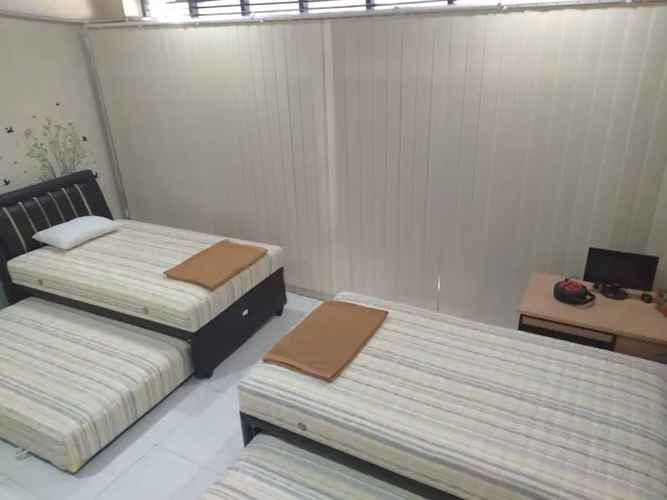 BEDROOM Hostel Eakon Shared Room Near Menoreh Talangsari
